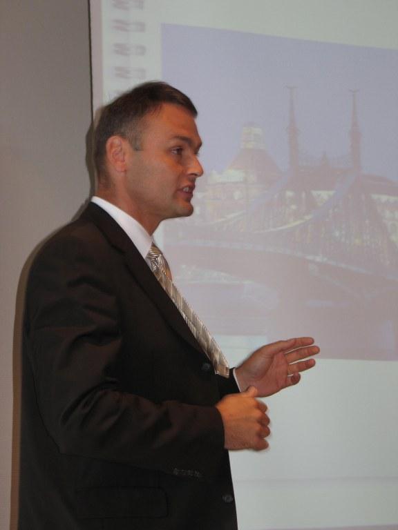 Dr. Balázs Benyó
